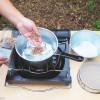 【100均の道具だけ】燻製作りが超簡単!ダイソーとセリアの調理用具で燻製してみた